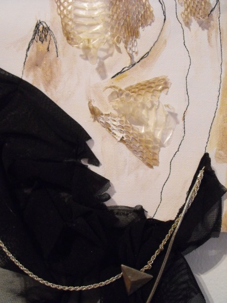 Cabinet de Textilité II - Sewing on canvas with snake skin and chains